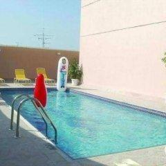 Ramee Guestline 2 Hotel Apartments бассейн