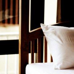 Отель Feung Nakorn Balcony Rooms and Cafe Бангкок удобства в номере