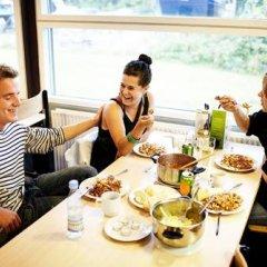 Отель U3z Hostel Aalborg Дания, Алборг - отзывы, цены и фото номеров - забронировать отель U3z Hostel Aalborg онлайн питание фото 2