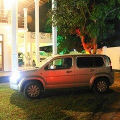 Отель Mahakumara White House Hotel Шри-Ланка, Калутара - отзывы, цены и фото номеров - забронировать отель Mahakumara White House Hotel онлайн парковка