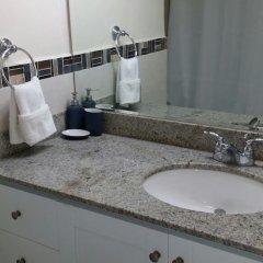 Отель The View of Devon House Ямайка, Кингстон - отзывы, цены и фото номеров - забронировать отель The View of Devon House онлайн ванная
