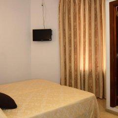 Отель Pension Canadiense Испания, Барселона - отзывы, цены и фото номеров - забронировать отель Pension Canadiense онлайн комната для гостей фото 5