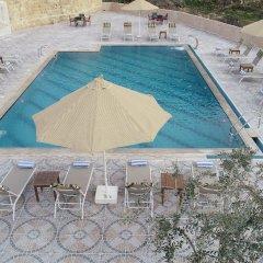 Отель Old Village Resort-Petra Иордания, Вади-Муса - отзывы, цены и фото номеров - забронировать отель Old Village Resort-Petra онлайн бассейн фото 3