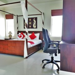 Отель Karon Beach Walk Villa комната для гостей фото 5
