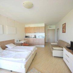Отель Menada Grand Resort Apartments Болгария, Дюны - отзывы, цены и фото номеров - забронировать отель Menada Grand Resort Apartments онлайн комната для гостей фото 2