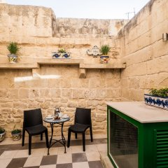 Отель Julesys BnB Мальта, Гранд-Харбор - отзывы, цены и фото номеров - забронировать отель Julesys BnB онлайн балкон