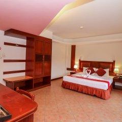 Отель Nida Rooms Patong Pier Palace сейф в номере