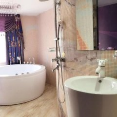 Отель Nihang Theme Hotel Китай, Шанхай - отзывы, цены и фото номеров - забронировать отель Nihang Theme Hotel онлайн ванная фото 2