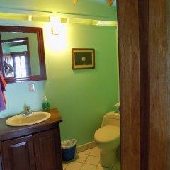 Отель Mango Creek Lodge ванная фото 2