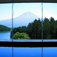 Отель Kyukamura Fuji Яманакако спортивное сооружение