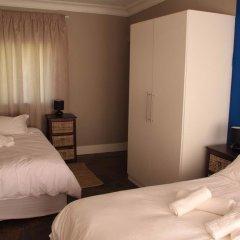 Отель 10 Cadoza BnB сейф в номере