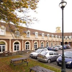 Отель Premier Inn Manchester Trafford Centre South