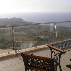 Отель Hal Saghtrija Мальта, Зеббудж - отзывы, цены и фото номеров - забронировать отель Hal Saghtrija онлайн балкон