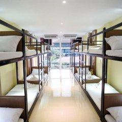 Omarthai Hotel - Hostel Бангкок интерьер отеля