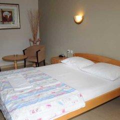 Отель KANGAROO Будва сейф в номере