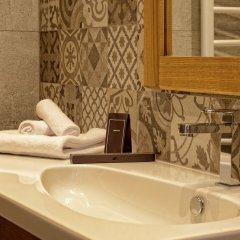 Отель Eleven Черногория, Петровац - отзывы, цены и фото номеров - забронировать отель Eleven онлайн ванная