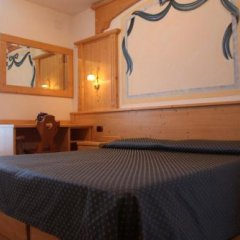 Отель Albergo Miravalle Фай-делла-Паганелла комната для гостей