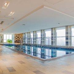 Отель Al Majaz Premiere Hotel Apartment ОАЭ, Шарджа - 1 отзыв об отеле, цены и фото номеров - забронировать отель Al Majaz Premiere Hotel Apartment онлайн бассейн фото 2