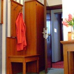 Отель Stare Miasto Польша, Познань - отзывы, цены и фото номеров - забронировать отель Stare Miasto онлайн сейф в номере