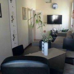 Отель Private Rooms/Duplex Apt.@Lisbon Center комната для гостей фото 2