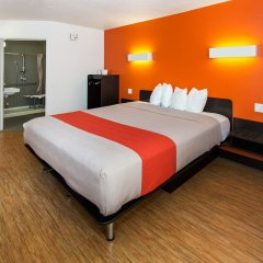 Отель Motel 6 Hollywood США, Лос-Анджелес - отзывы, цены и фото номеров - забронировать отель Motel 6 Hollywood онлайн удобства в номере фото 2