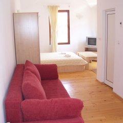 Апартаменты Four Leaf Clover Apartments комната для гостей фото 4