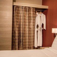 Отель Retro 39 Бангкок сейф в номере