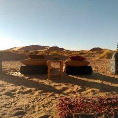 Отель Kam Kam Dunes Марокко, Мерзуга - отзывы, цены и фото номеров - забронировать отель Kam Kam Dunes онлайн парковка