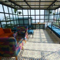 BedBug Hostel by Madpackers спортивное сооружение