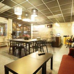 Tiger Lily Hostel Бангкок питание фото 3