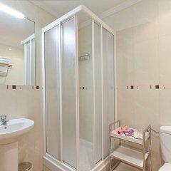 Отель Hostal Luz Испания, Мадрид - 7 отзывов об отеле, цены и фото номеров - забронировать отель Hostal Luz онлайн ванная