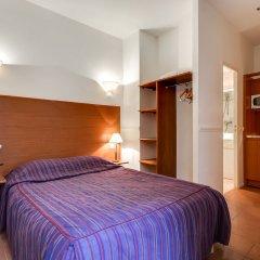 Отель Pavillon Courcelles Parc Monceau сейф в номере