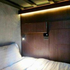 At Lanta Hostel сейф в номере