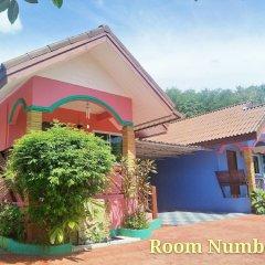 Отель Phaithong Sotel Resort парковка