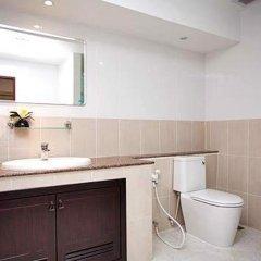 Апартаменты Emerald Palace Serviced Apartment Паттайя ванная