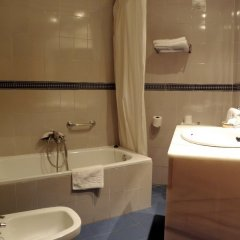Santa Cruz II Hotel ванная
