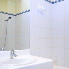 Отель Hôtel Hospitel Париж ванная