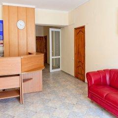 Гостиница Уютный дворик комната для гостей фото 4