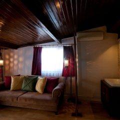 Отель Blue Mosque Suites Стамбул комната для гостей