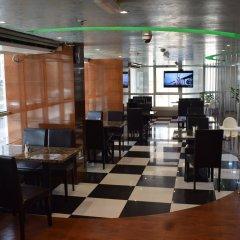 Отель Aldar Hotel ОАЭ, Шарджа - 5 отзывов об отеле, цены и фото номеров - забронировать отель Aldar Hotel онлайн гостиничный бар