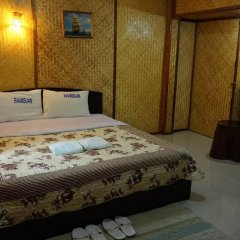 Отель Khun Mai Baan Suan Resort сейф в номере