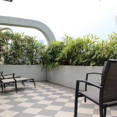 Отель Swiss-Garden Hotel Kuala Lumpur Малайзия, Куала-Лумпур - 2 отзыва об отеле, цены и фото номеров - забронировать отель Swiss-Garden Hotel Kuala Lumpur онлайн балкон
