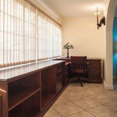 Отель Seawind On the Bay Apartments Ямайка, Монтего-Бей - отзывы, цены и фото номеров - забронировать отель Seawind On the Bay Apartments онлайн интерьер отеля