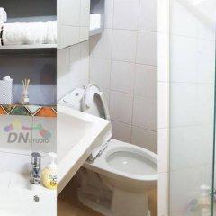 Отель Dongdaemun Neighbors Южная Корея, Сеул - отзывы, цены и фото номеров - забронировать отель Dongdaemun Neighbors онлайн ванная фото 2
