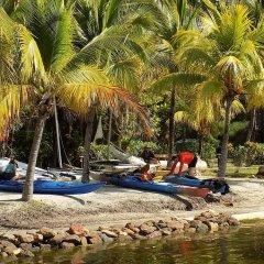 Отель Mango Creek Lodge пляж