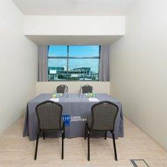 Отель TRYP Lisboa Aeroporto Hotel Португалия, Лиссабон - 9 отзывов об отеле, цены и фото номеров - забронировать отель TRYP Lisboa Aeroporto Hotel онлайн удобства в номере