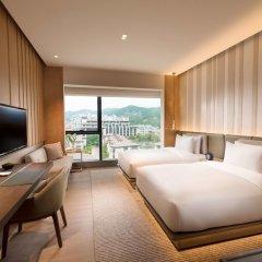 Отель Joyze Hotel Xiamen, Curio Collection by Hilton Китай, Сямынь - отзывы, цены и фото номеров - забронировать отель Joyze Hotel Xiamen, Curio Collection by Hilton онлайн комната для гостей фото 4