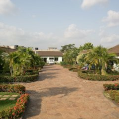 Отель Travellers Palm Court парковка