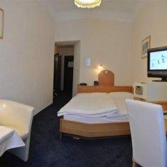 Отель Pension Schonbrunn Вена комната для гостей фото 4