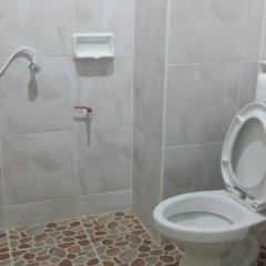 Отель Sairee Center Guesthouse Таиланд, Остров Тау - отзывы, цены и фото номеров - забронировать отель Sairee Center Guesthouse онлайн ванная